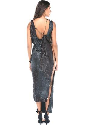 Tantrona Taşlı Zincir Detalyi İki Tarafı Açık Dekolte Elbise