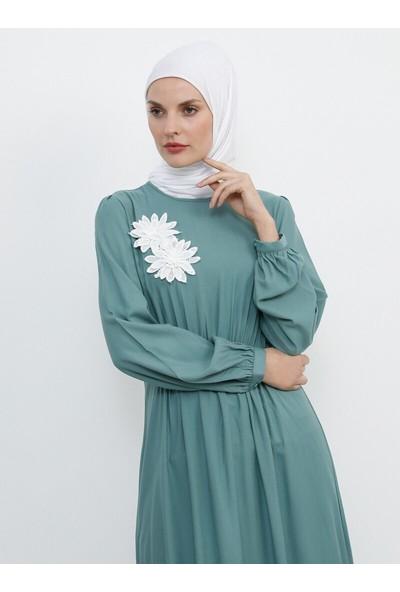 Doğal Kumaşlı Güpür Detaylı Elbise - Yeşil - Refka