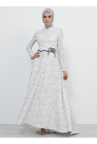 Beli Taş Süslemeli Simli Abiye Elbise - Beyaz - Refka