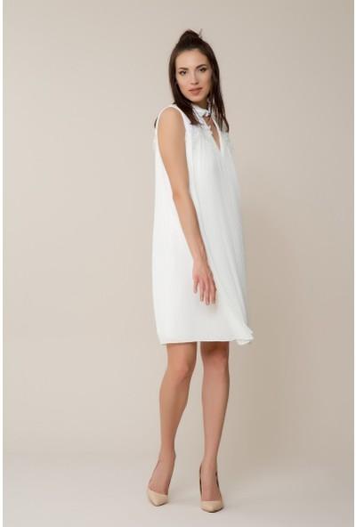 GIZIA Beyaz Pilise Elbise