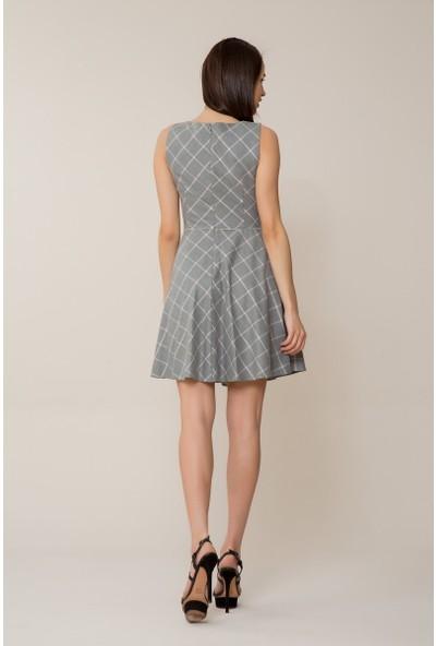 GIZIA Pembe Sim Detaylı Gri Mini Elbise