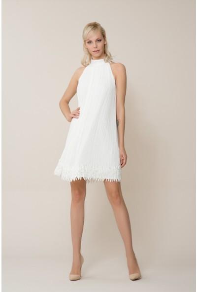 GIZIA Etek Ucu Detaylı Beyaz Mini Pilise Elbise