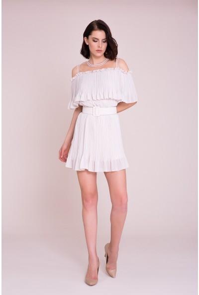 GIZIA Kemer Detaylı Omuz Açık Ekru Mini Elbise