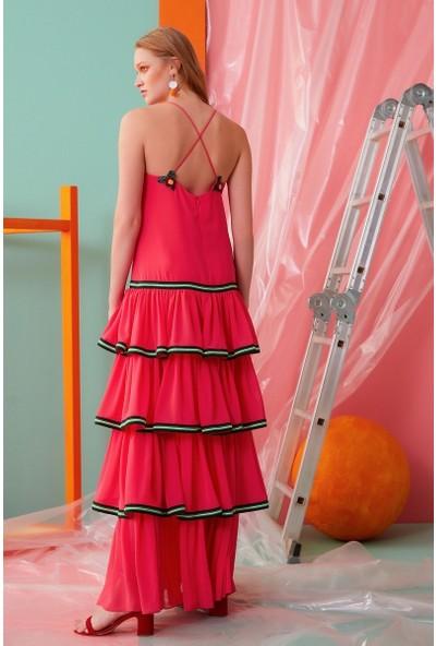 GIZIA İp Askılı V Yaka Fırfır Detaylı Pembe Elbise