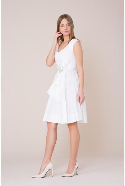 GIZIA V Yaka Taş Detaylı Beyaz Elbise