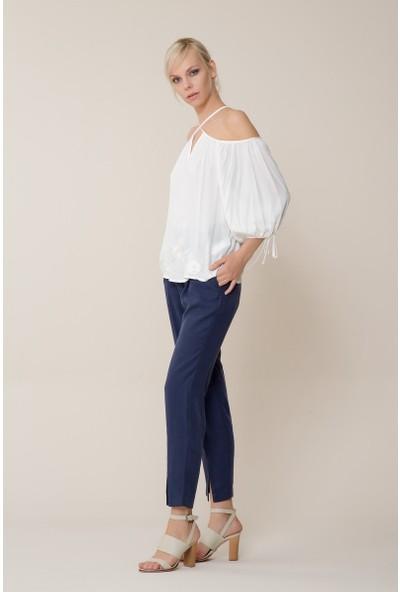 GIZIA Çiçek Detaylı Beyaz Bluz