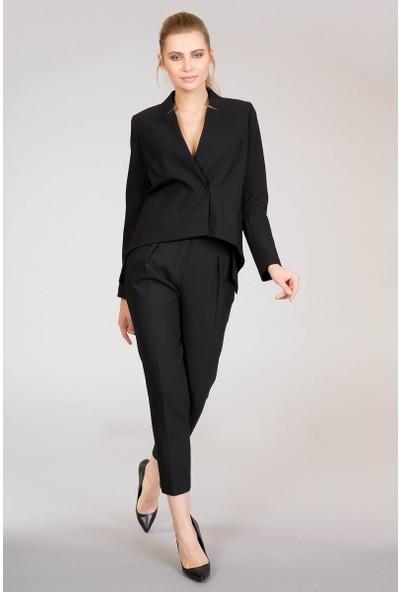GIZIA Sırt Detaylı Siyah Ceket