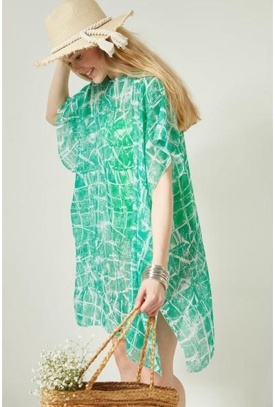 Axesoire 11607-1 Geometrik Desen Yeşil Renkli Pareo