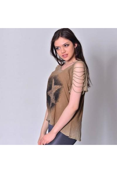 Rosidam Metal Detaylı Yıldız Tasarımlı Viskon Kumaş Salaş Kadın Tişört