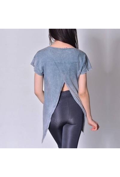 Rosidam Metal Detaylı Asimetrik Kesim Viskon Kumaş Salaş Kadın Tişört