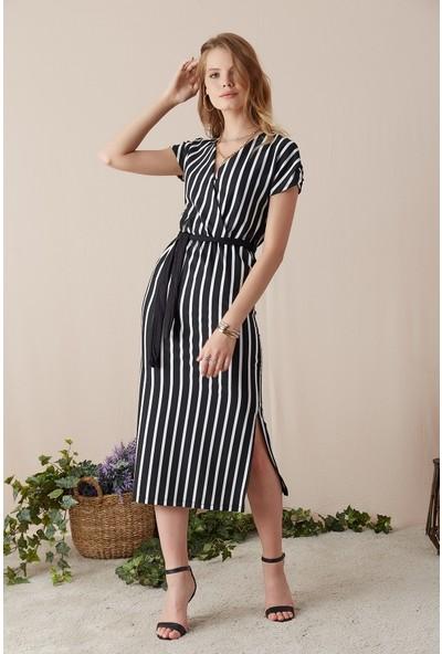 Eka Çizgili Kuşaklı Kruvaze Elbise-Siyah