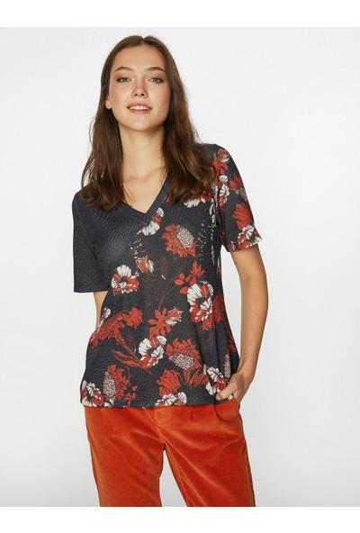Faik Sönmez Kadın T-Shirt 39592