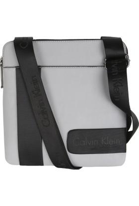 Calvin Klein 4602-2930-074 Postacı Çantası