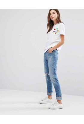 The Chalcedon Girly Bayan Tshirt