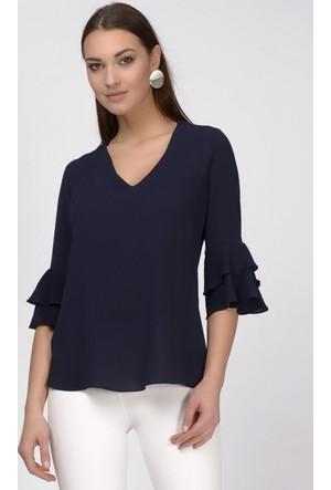 İroni Kolları Fırfırlı V Yaka Lacivert Bluz