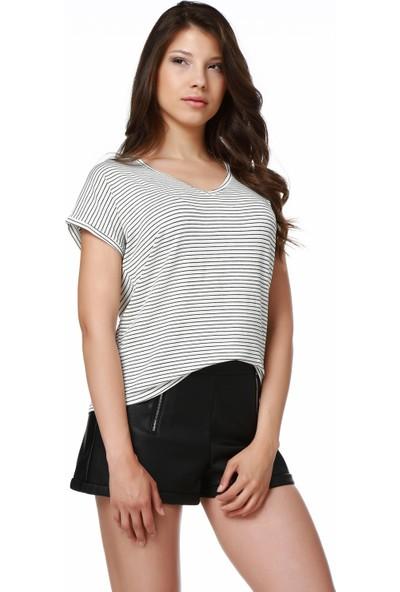 Mumu Siyah Beyaz Çizgili Basic V Yaka T-Shirt