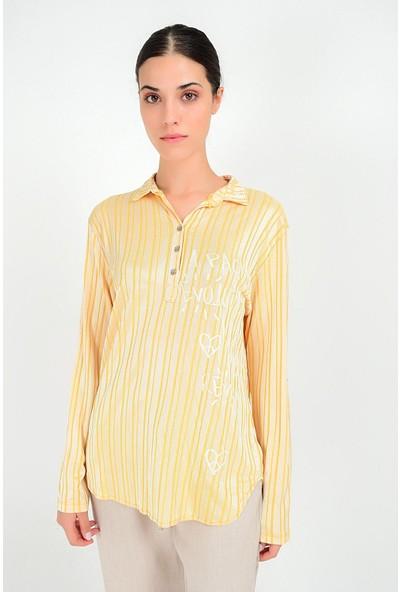 Pua Fashion Kadın İtalyan Hardal Parlak Yazılı Çizgili Gömlek