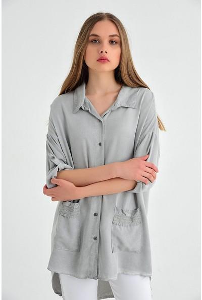Pua Fashion İtalyan Gri Cebi Simli Kadın Gömlek