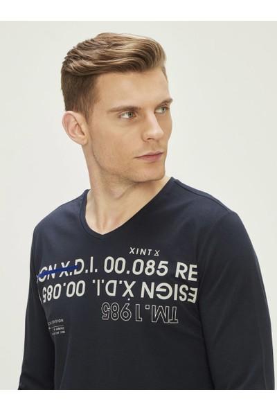 Xint Erkek V Yaka Baskılı Uzun Kollu Tişört
