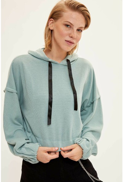 Defacto Kadın Kapüşonlu Beli Kısa Sweatshirt