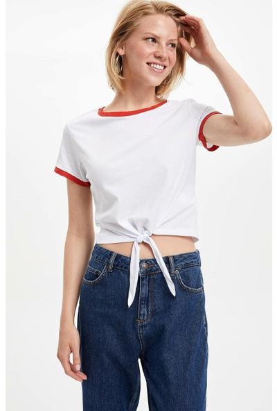 Defacto Kadın Slim Fit Bağlama Detaylı T-Shirt