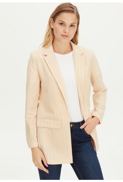 LC Waikiki Kadın Ceket