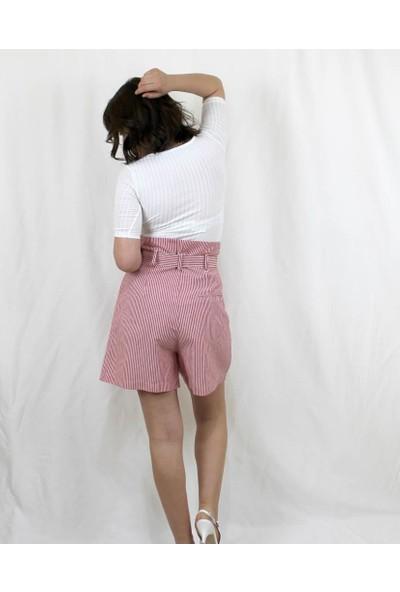 Bukika Kadın Çizgili Yüksekbel Kemerli Pamuklu Şort Xyk5030
