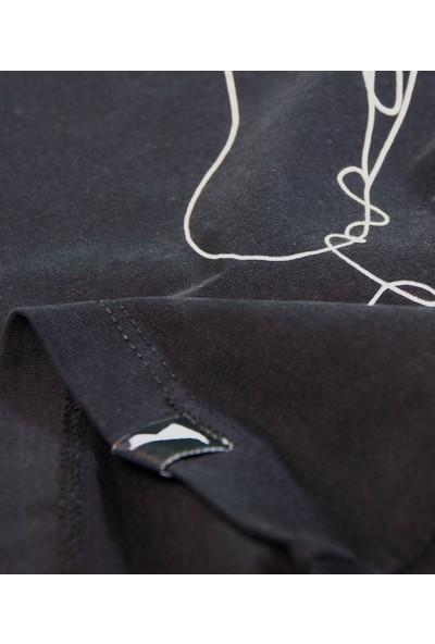 Kanduras Çıplak Oversize Crop T-Shirt