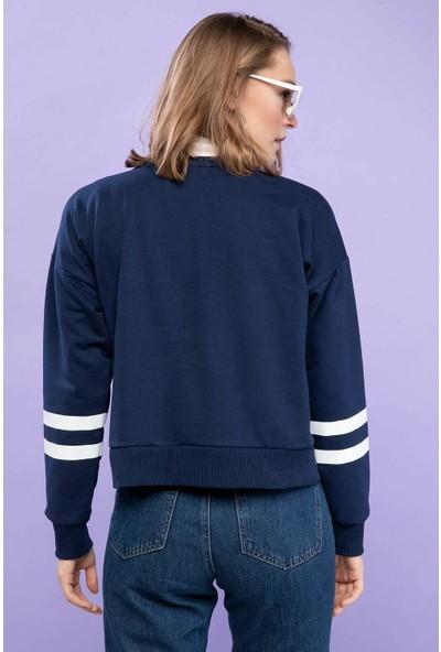 Defacto Kadın Baskılı Kolları Şeritli Relax Fit Sweatshirt