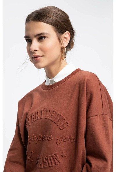 Defacto Kadın Kabartma Baskılı Relax Fit Sweatshirt