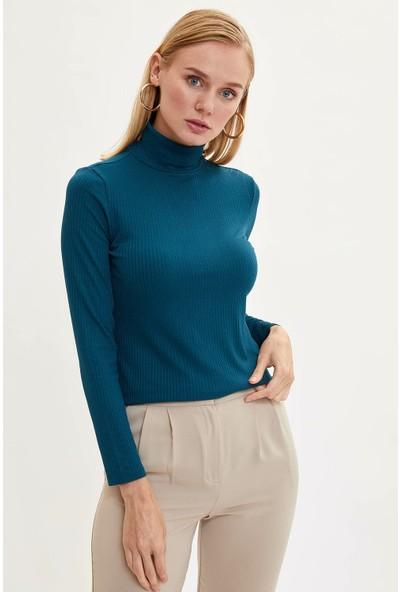 Defacto Kadın Yarım Balıkçı Yaka Slim Fit T-Shirt