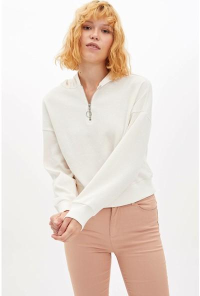 Defacto Kadın Fermuar Detaylı Kapüşonlu Sweatshirt