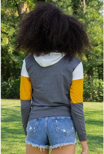 Morpile Kapüşonlu Baskılı Kadın Sweatshirt
