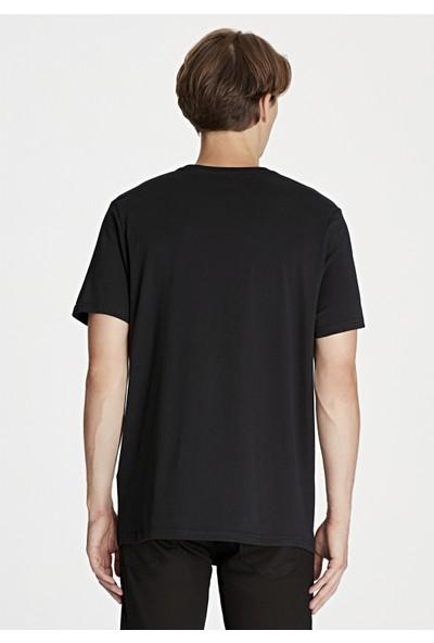 Mavi Logo Baskılı Siyah Tişört 065199-900