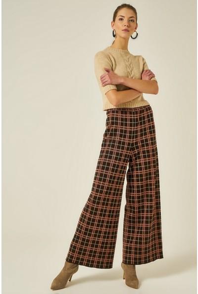 Join Us Kadın Ekose Desenli Pilise Detaylı Pantolon