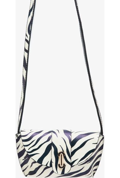 Koton Kadın Zebra Desenli Çanta