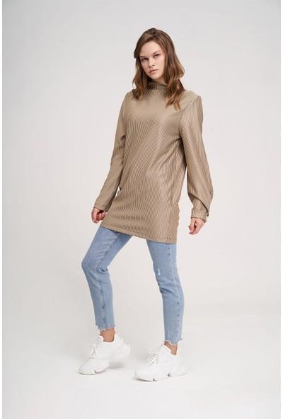 Mizalle Büyük Düğmeli Sweatshirt