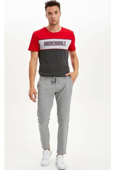 Defacto Erkek Renk Bloklu Slim Fit T-Shirt