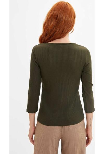 Defacto Kadın V Yaka Slim Fit T-Shirt