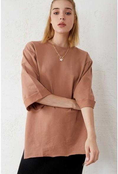 Freestar Kadın Yırtmaçlı Kısa Kol Geniş Kesim Sweatshirt