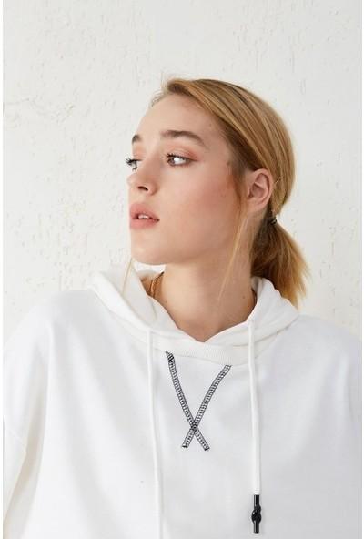 Freestar Kadın Kapişonlu Bağcıklı Uzun Kol Sweatshirt