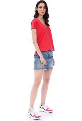 Kapsulstore Yandan Yırtmaçlı V Yaka Kırmızı T-Shirt