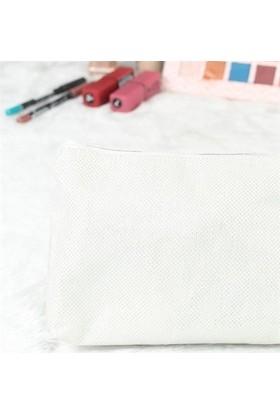 Beyaz Renk Simli Makyaj Çantası