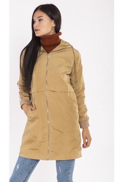 Hds Hadise Camel Kolları Şeritli Kapşonlu Trençkot 21-8063
