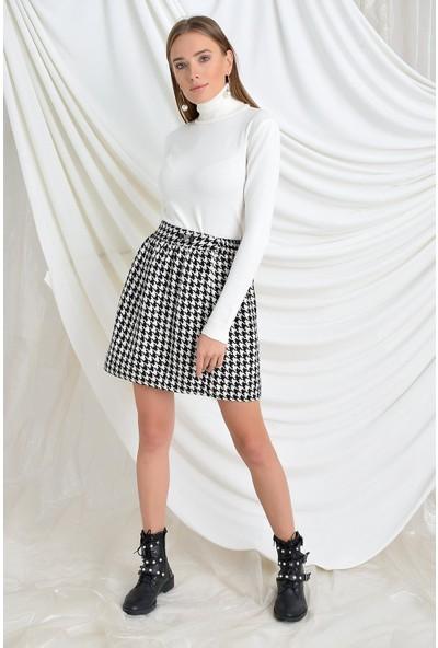 Tena Moda Kadın Kazayağı Bel Lastikli Kısa Boy Tokalı Etek 9KBETNIK-03
