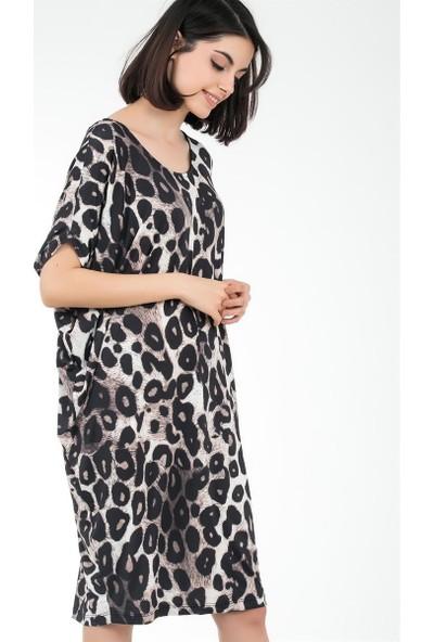 Liplipo Sırt Bant Detaylı Leopar Desen Likra Saten Kadın Elbise
