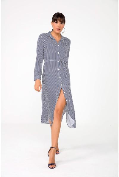 Liplipo Uzun Kollu İnce Çizgilikuşaklı Viskon Kadın Gömlek Elbise