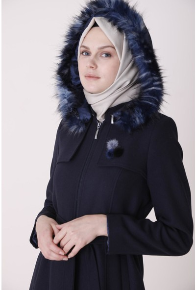 Sitare Yakası Kürklü Kadın Manto 20K5057