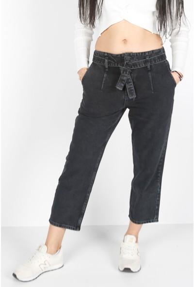 Denim Republic Kadın Siyah Kemer Detaylı Mom Jeans
