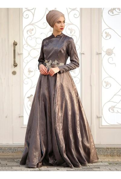Zehrace Çiçek Detaylı Abiye Elbise Füme